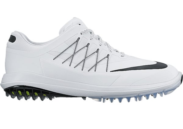 Image of the Nike Lunar Control Vapor golf shoes. One of the best golf shoes available.